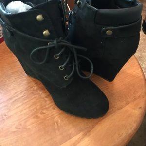 Shoedazzle, Booties ~~ Black size 8 N BELINDA